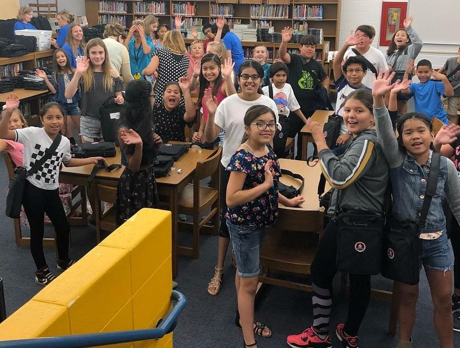 Grade 6 students to receive Chromebooks